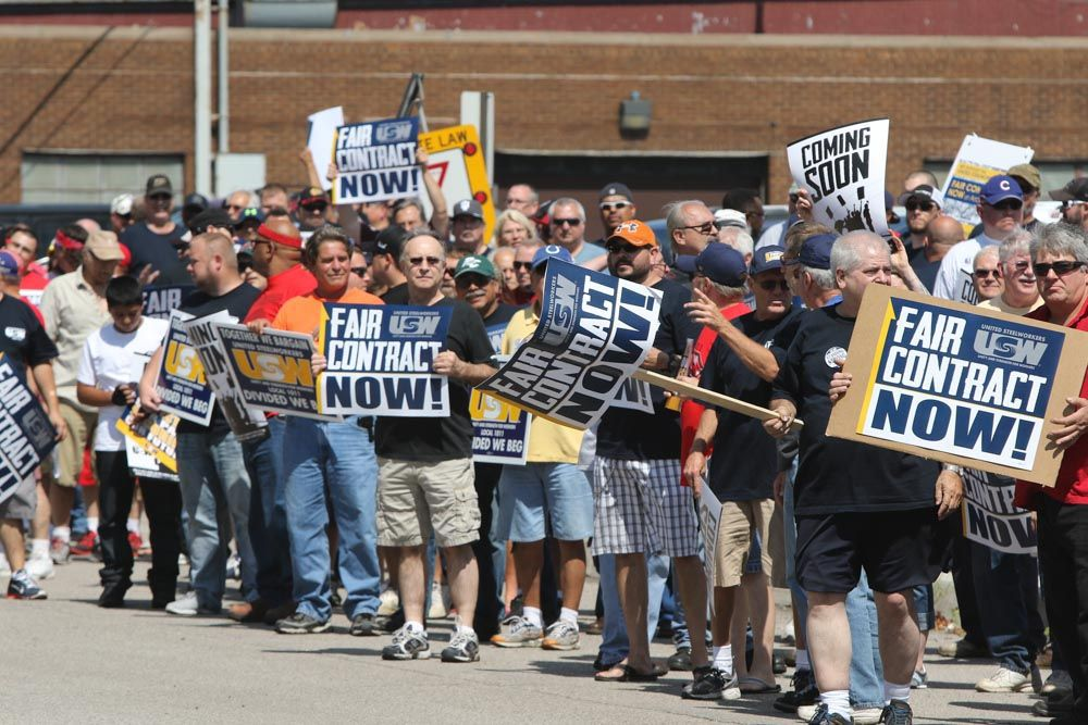 Steelworkers rally at ArcelorMittal