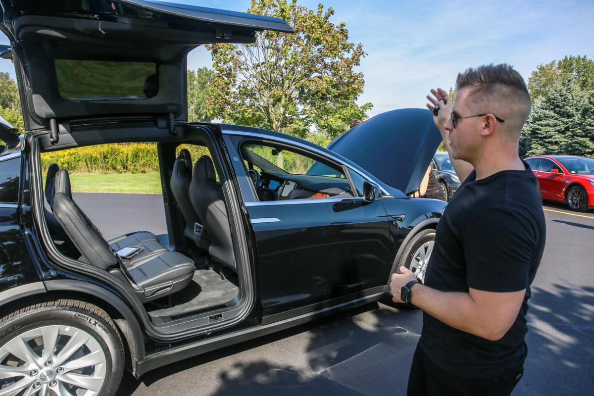 Drivers plug in to electric vehicles at Thursday showcase