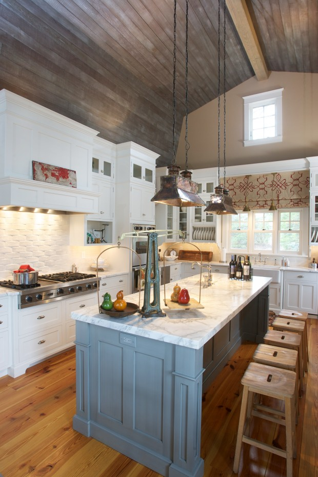 The Lake House: A Nantucket-style Home Full Of Charm