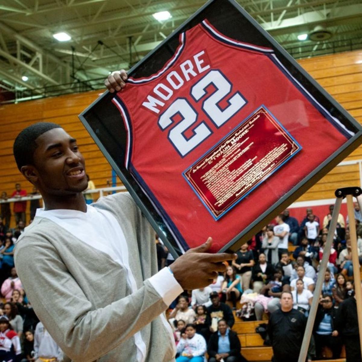 online store f1835 54e93 Family life kept NBA hopeful E'Twaun Moore off the streets ...