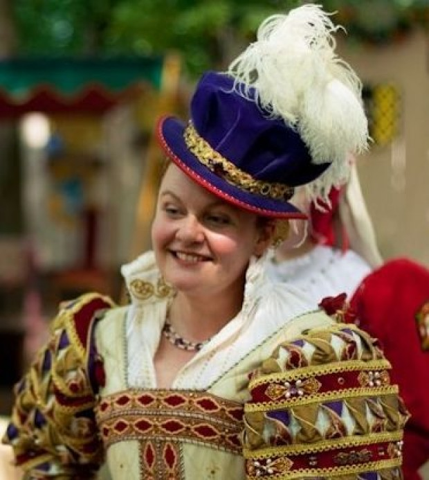 KITCHEN SPOTLIGHT: Actress Prepares Meals Fit For A Queen