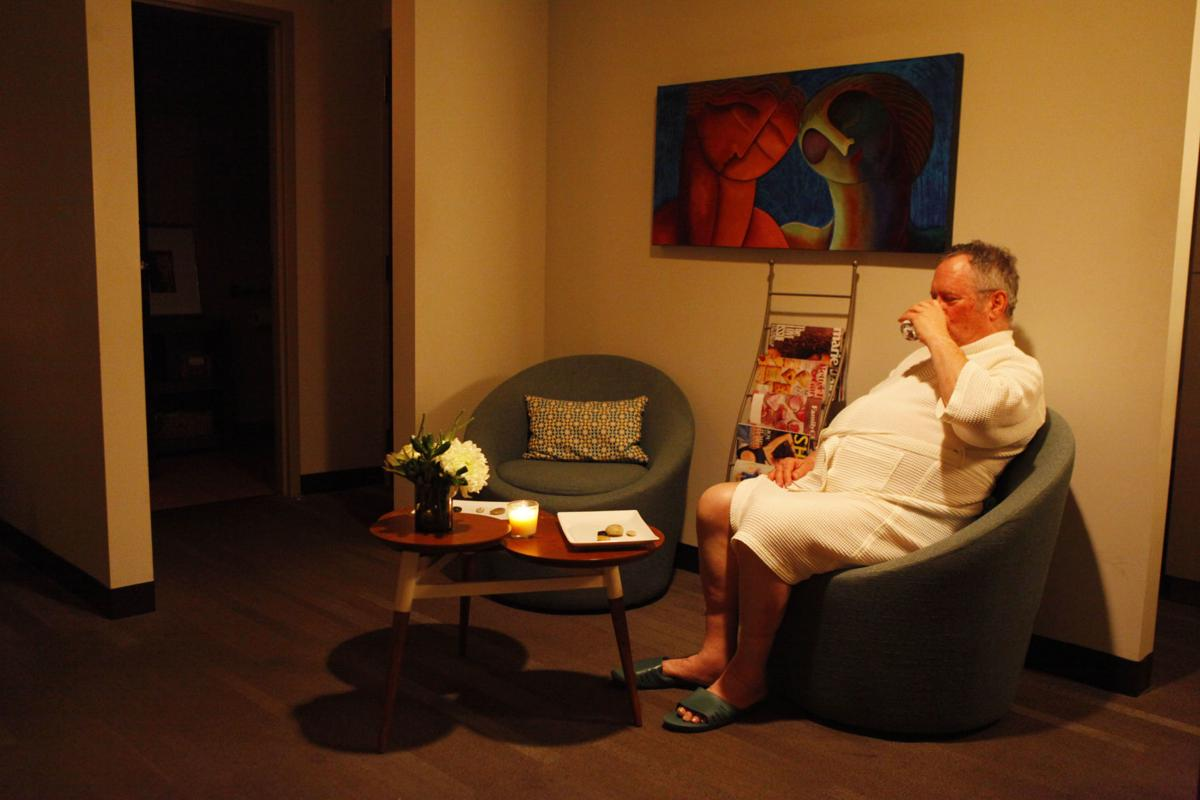 Pleasant Popular Spa Treatments For Men In Northwest Indiana Machost Co Dining Chair Design Ideas Machostcouk