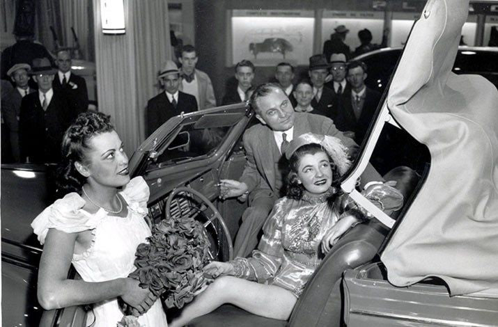 1940_Plymouth_Conv.jpg
