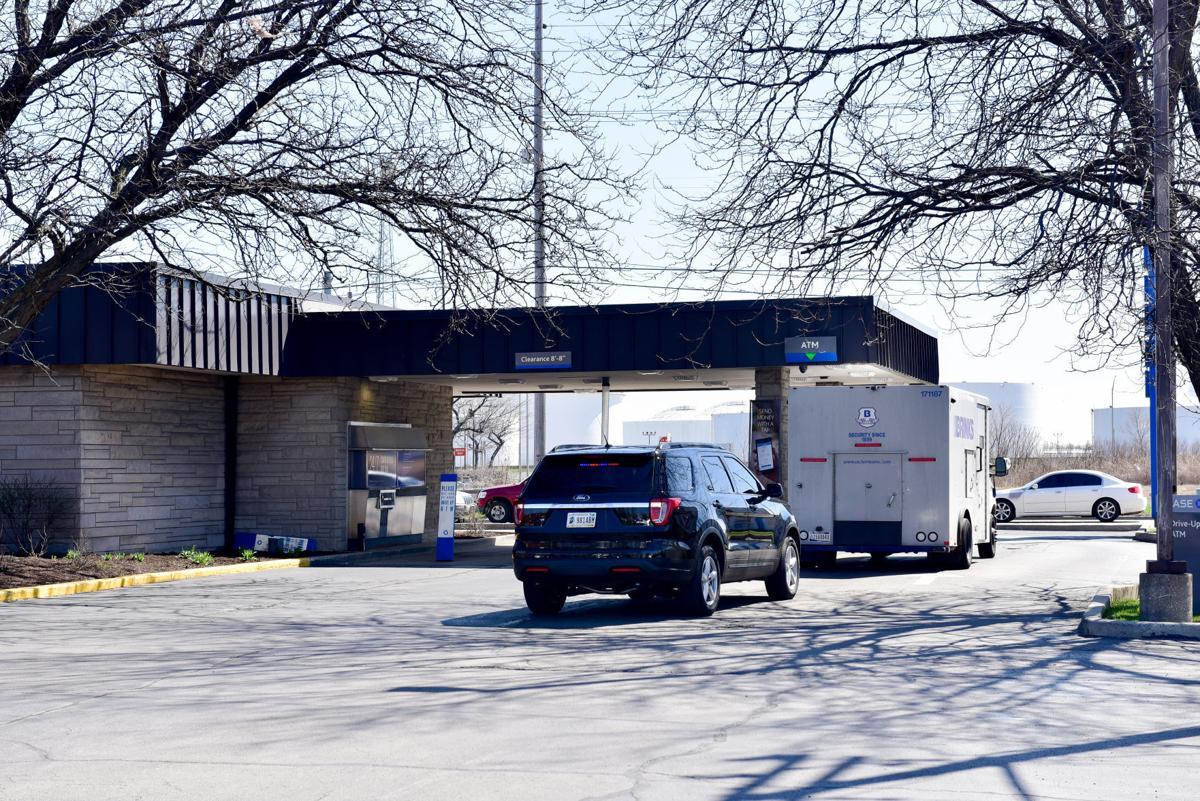 Brinks Truck Robbed at Gun Point at Chase Bank