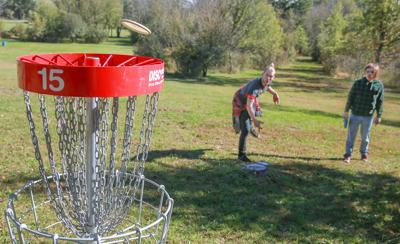 Disc golf at Lemon Lake