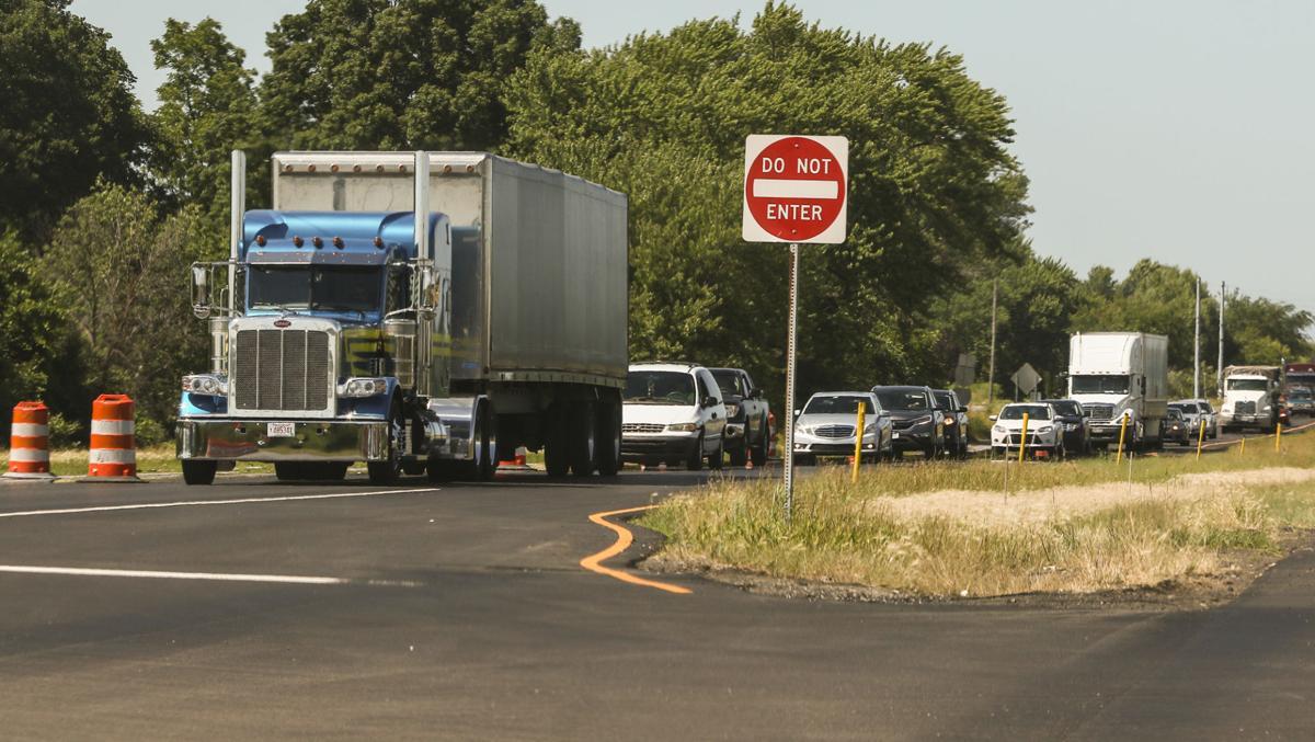 Traffic slows on Indiana 49