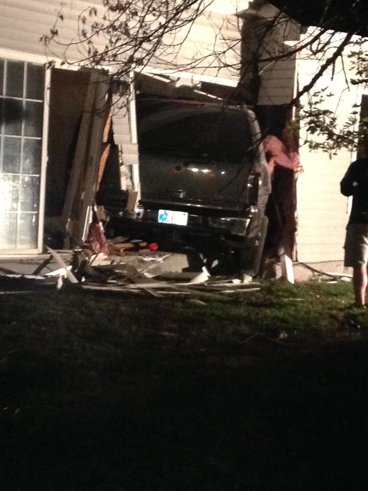 Police: Woman who hit Valpo house, injured 2 suspected of driving drunk