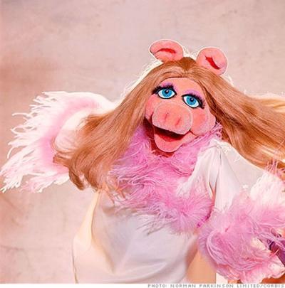 OFFBEAT: Miss Piggy hogging Macy's fashion spotlight in exhibit this week