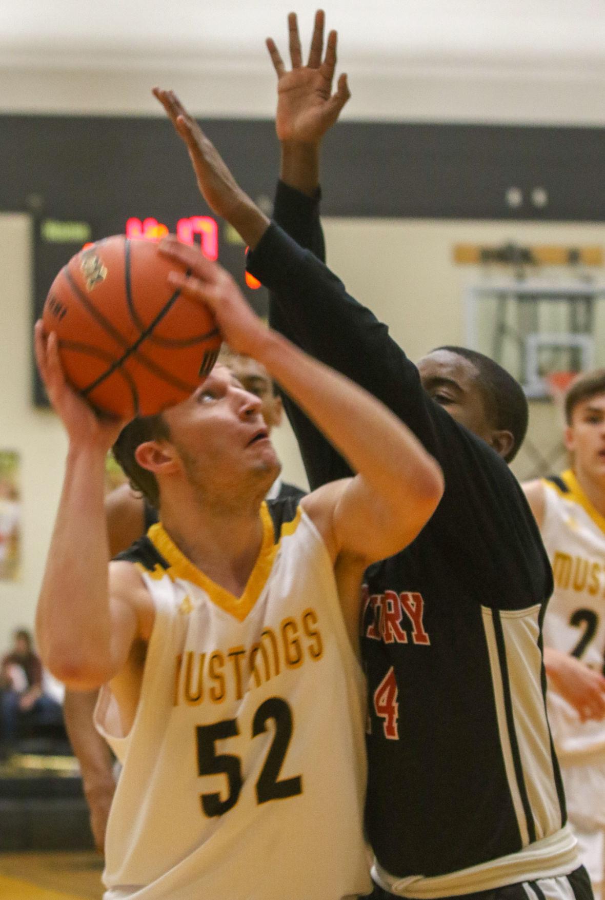 Boys basketball - 21st Century at Kouts