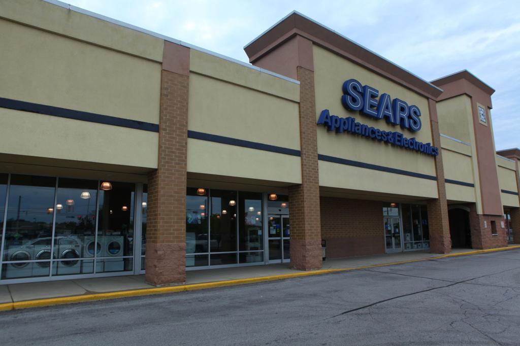 Retailpocalypse Has Left Trail Of Pink Slips Empty Big Boxes