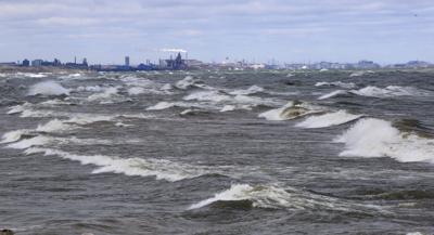 Large waves on Lake Michigan (copy)