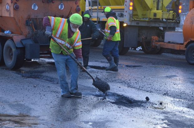 Lawmakers look at new ways to fund future, existing roads