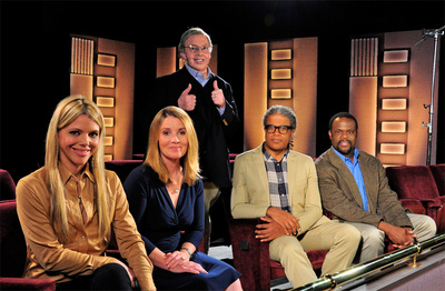 A Great Seat Legendary Film Critic Roger Ebert Standing Has Announced The Line Up Of Movie Reviewers For His New Pbs Series Roger Ebert Presents At