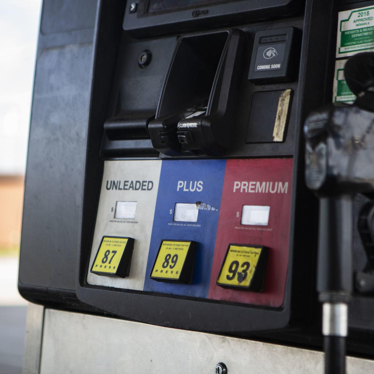 Indiana Gas Tax >> Illinois Cigarette And Gas Tax Hikes Could Drive More Business To