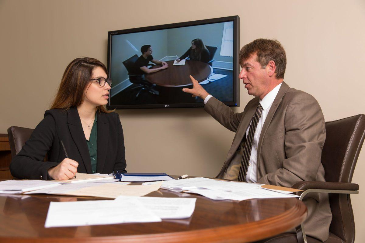 Aspiring lawyers hone skills in criminal law clinic