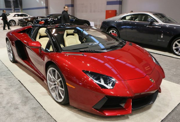 ferraris bugattis lamborghinis oh my 2015 chicago. Black Bedroom Furniture Sets. Home Design Ideas