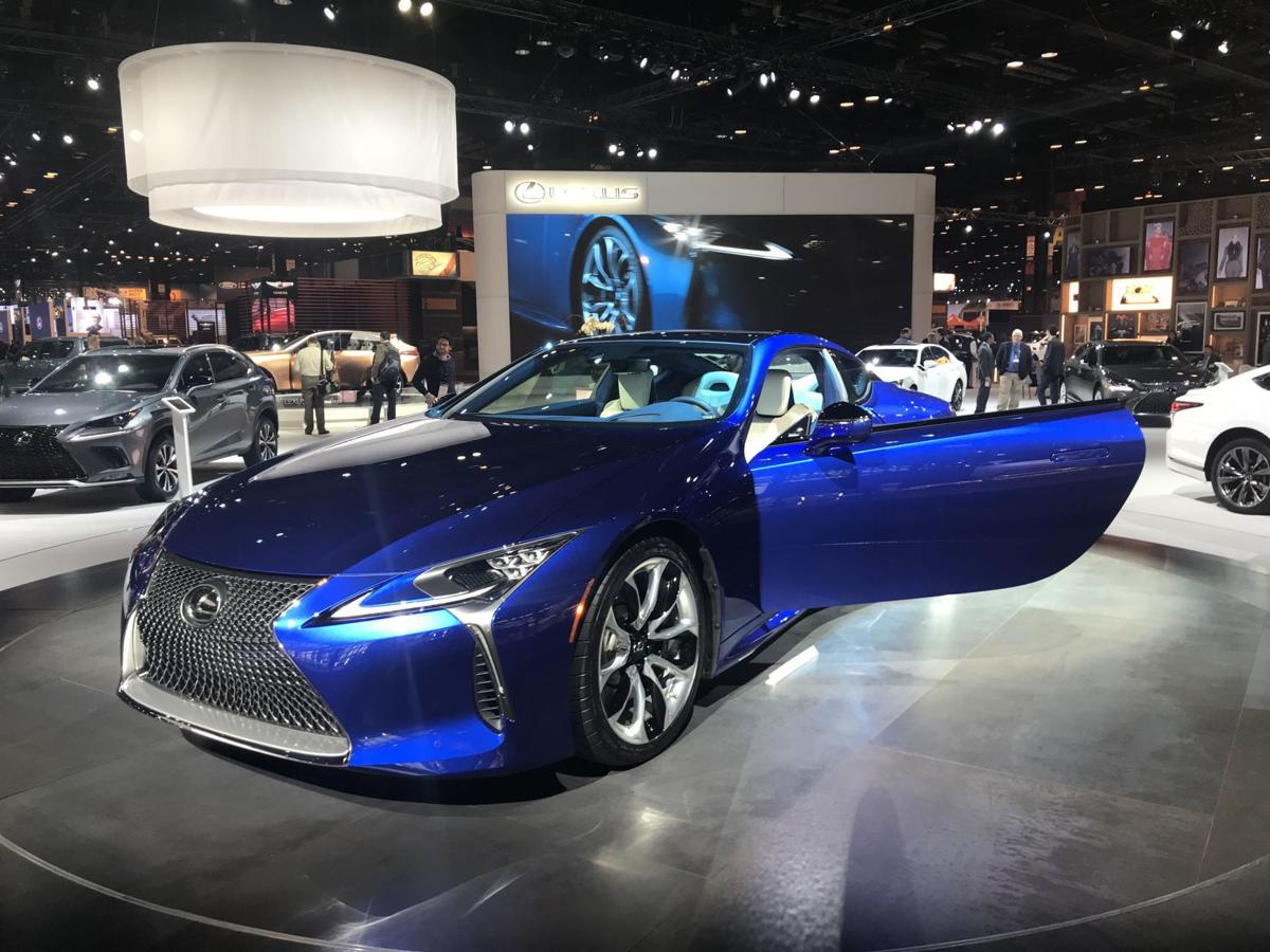 Chicago Auto Show Roars Back Into Town Lakenewsletter Nwitimescom - Chicago car show