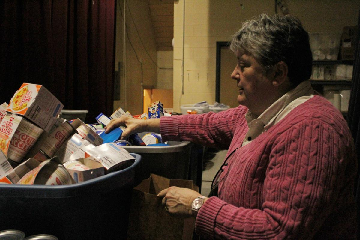Program provides weekend meals to more than 300 Crown Point students
