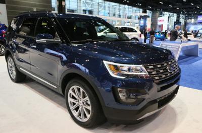Ford to offer luxury model Explorer