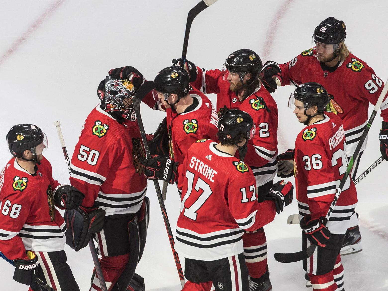 Corey Crawford Helps Blackhawks Stave Off Elimination Sports Nwitimes Com