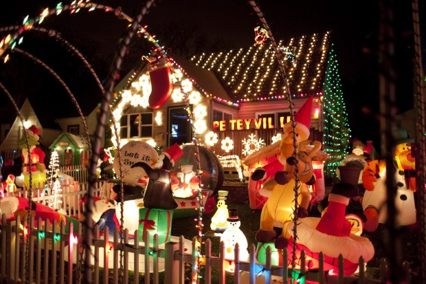Hammond Christmas Display Brings Light To Season Home