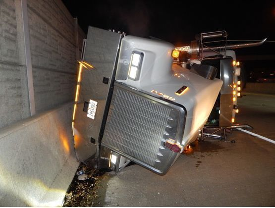 Semitrailer blew a tire before rollover Thursday on ramp from I-65 to I-94, police say
