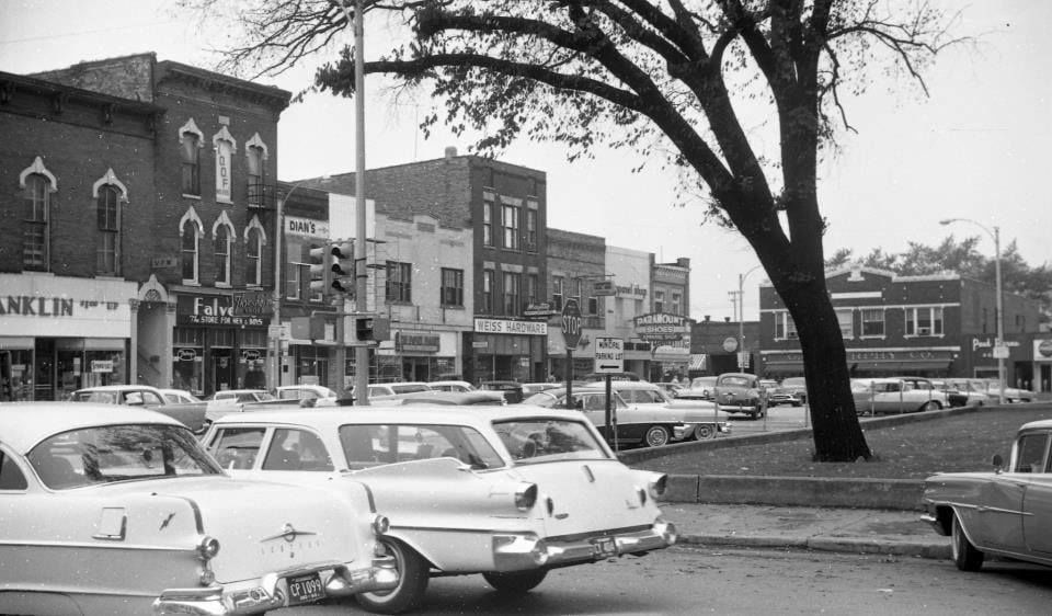 Local history enthusiasts hope to bring a historic walking tour to Crown Point square