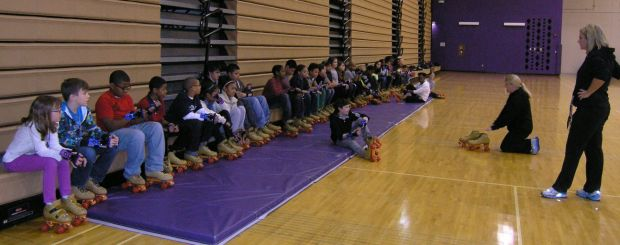 Merrillville students try roller skating in PE class