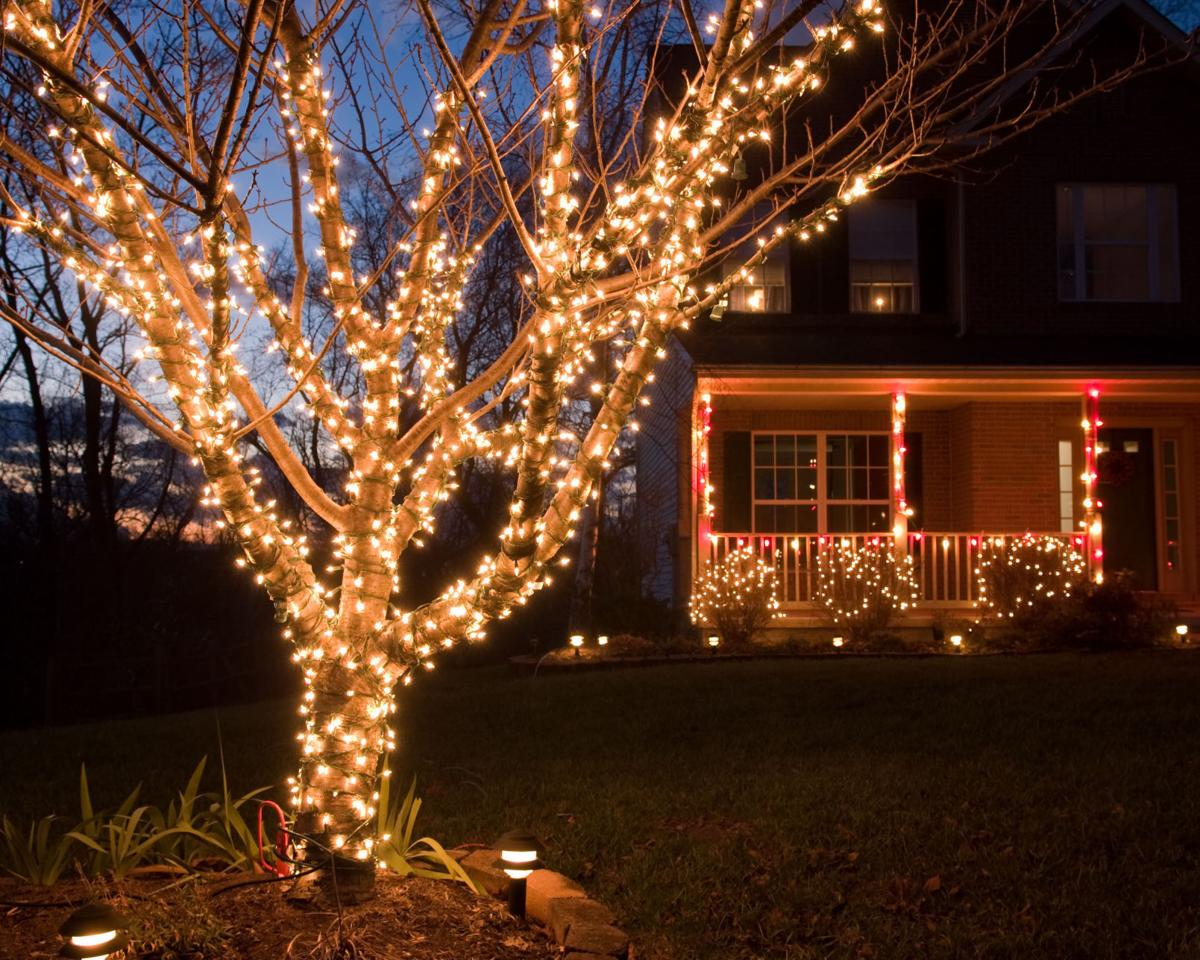 New trends and colors for your exterior holiday lights