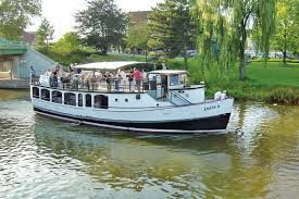 Tour boat, speed boat in Michigan City to offer Lake Michigan cruises this summer