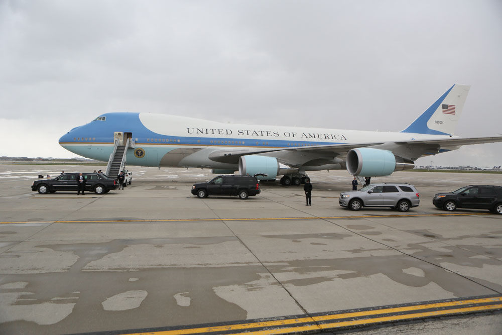 President Obama lands in Chicago