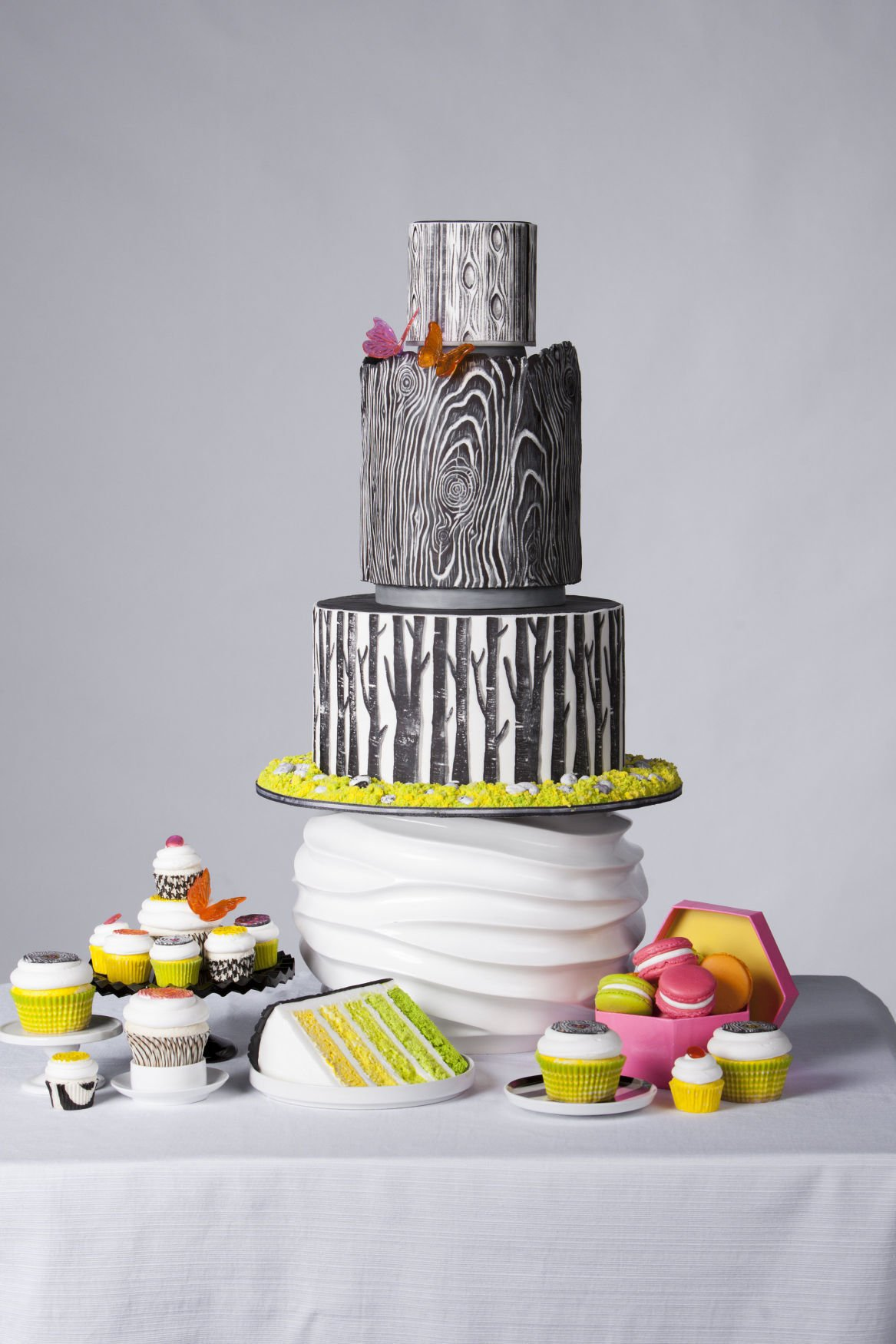 Local bakeries make wedding cakes into works of art | Food ...