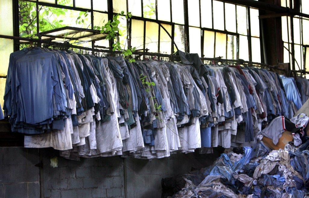 Rotting clothing