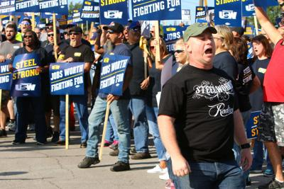USW steelworkers agree to new contract with ArcelorMittal that includes 14 percent pay hike