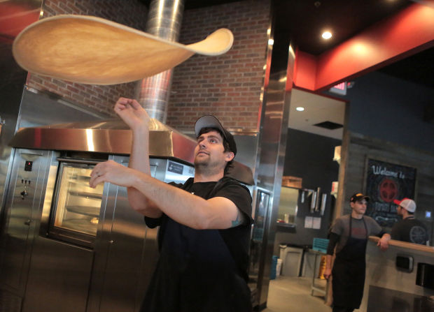 Tomato Bar focuses on high-quality pizza, craft beer