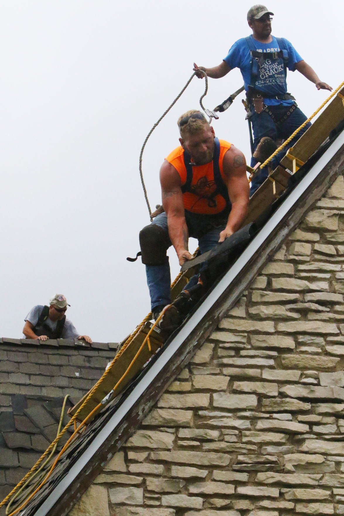 Roof repair at the Old Hansen Library