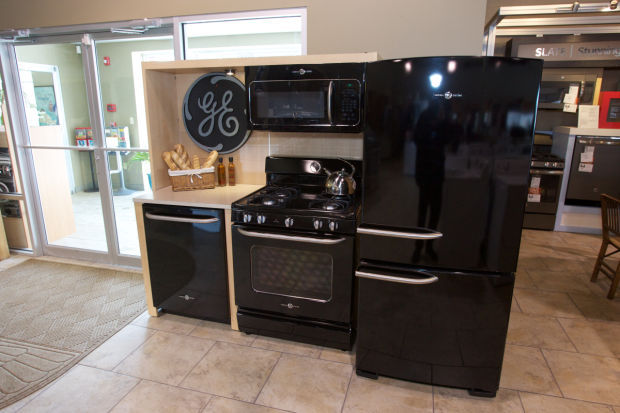 ge retro appliances. The GE Artistry Series On Showroom Floor At Maruszczak Appliance. Estimated Retail Price Of Full Product Suite Is $2,416 - Retailers Set Ge Retro Appliances P
