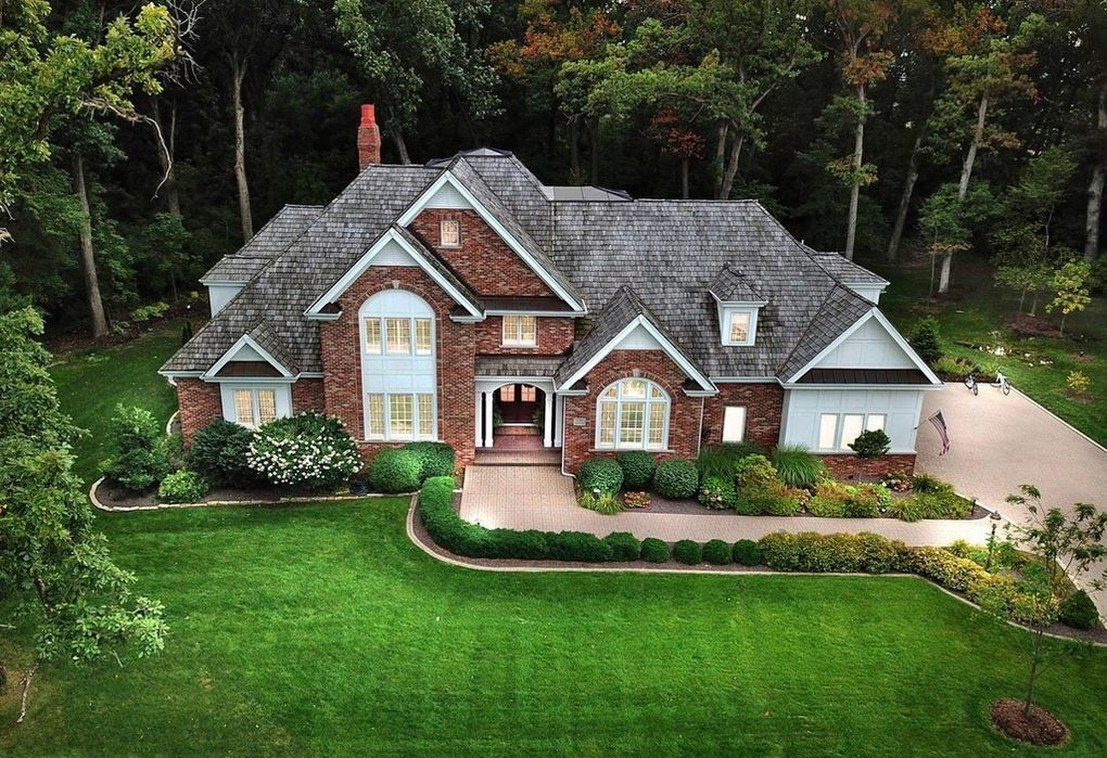 $1.7 million home sale in Crown Point the highest in Lake County in four years