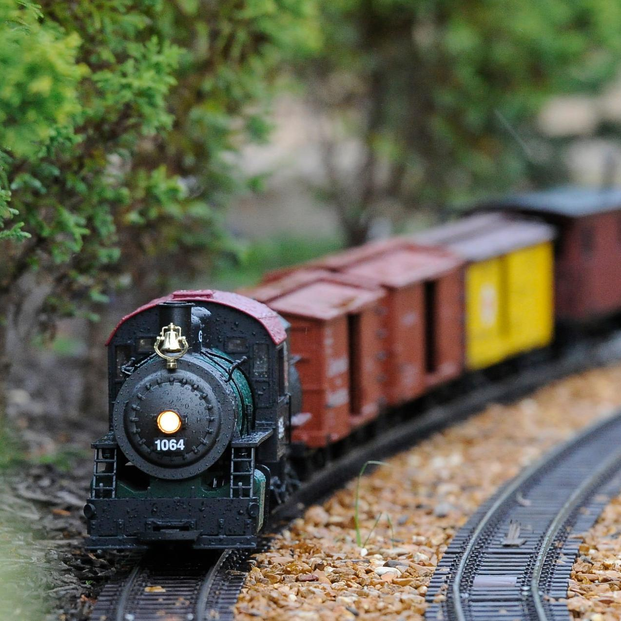 Christmas Model Railway.Tradition Updated Technology Keep Model Trains Rockin