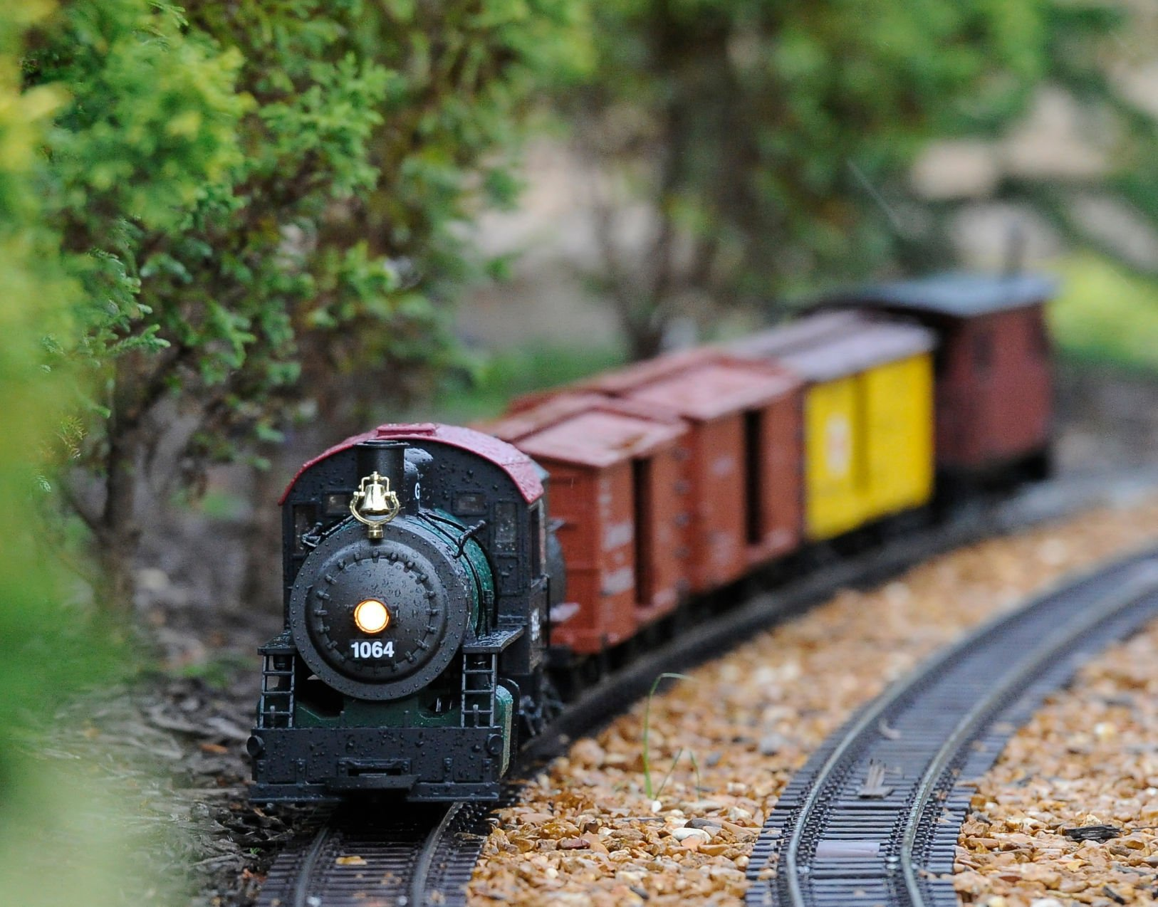 Tradition Updated Technology Keep Model Trains Rockin Around The Christmas Tree Latest Headlines Nwitimes Com