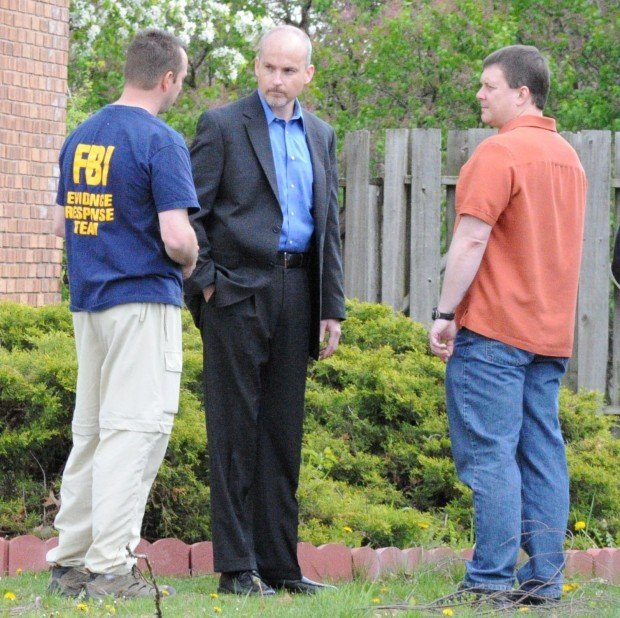 FBI, evidence technicians return to home of missing Munster doctor