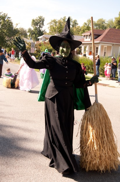 Wicked Witch of the West Costume Character Marching in 2012 Wizard ...