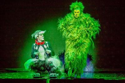 """Shuler Hensley as The Grinch and Aleksa Kurbalija as Max in the 2014 Equity Touring Company of Dr. Seuss' """"How The Grinch Stole Christmas"""""""