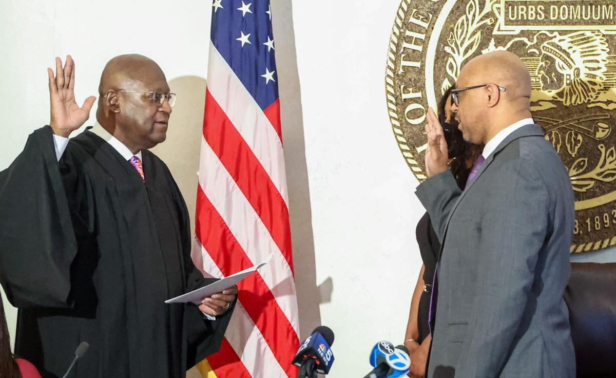 Swearing in of Thaddeus Jones as the first black mayor of Calumet City
