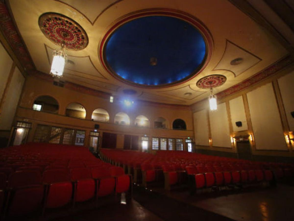 Reinventing The Reel Hoosier Theatre Goes Digital Entertainment Nwitimes Com