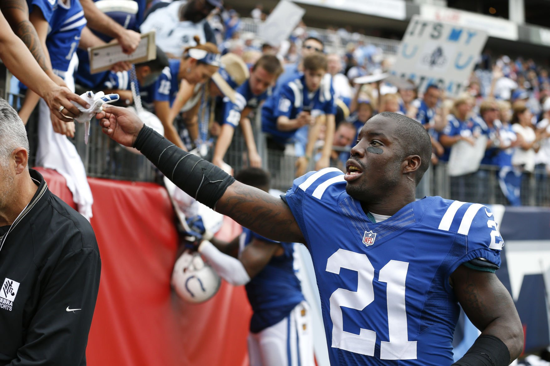 Colts cornerback Vontae Davis 'week-to-week' with groin injury