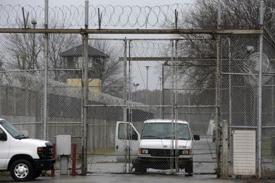Illinois Prison-Women Inmates