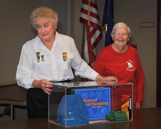 Girl Scouts open time capsule at Hammond Public Library