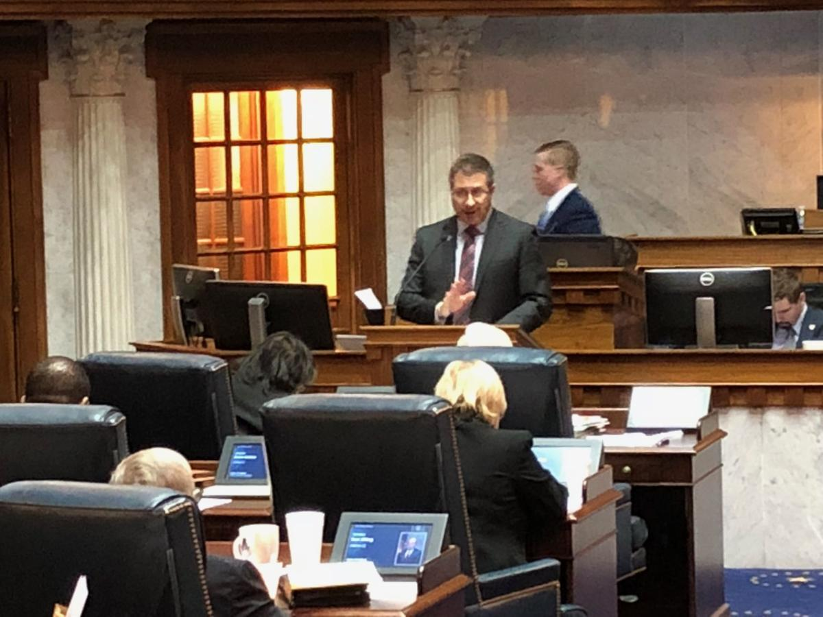 South Bend lawmaker reads Times report on effects of common construction wage repeal to Indiana Senate