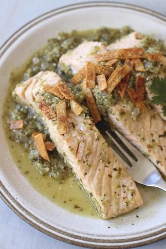 Tomatillo salsa offers fresh approach to poaching salmon